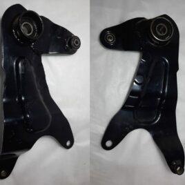 Кронштейн крепления заднего колеса R12 (2 амортизатора)